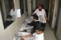 Washroom Manner (15)